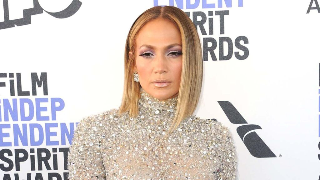 Jennifer Lopez stuns in makeup-free video, says she's never had Botox as she launches beauty line