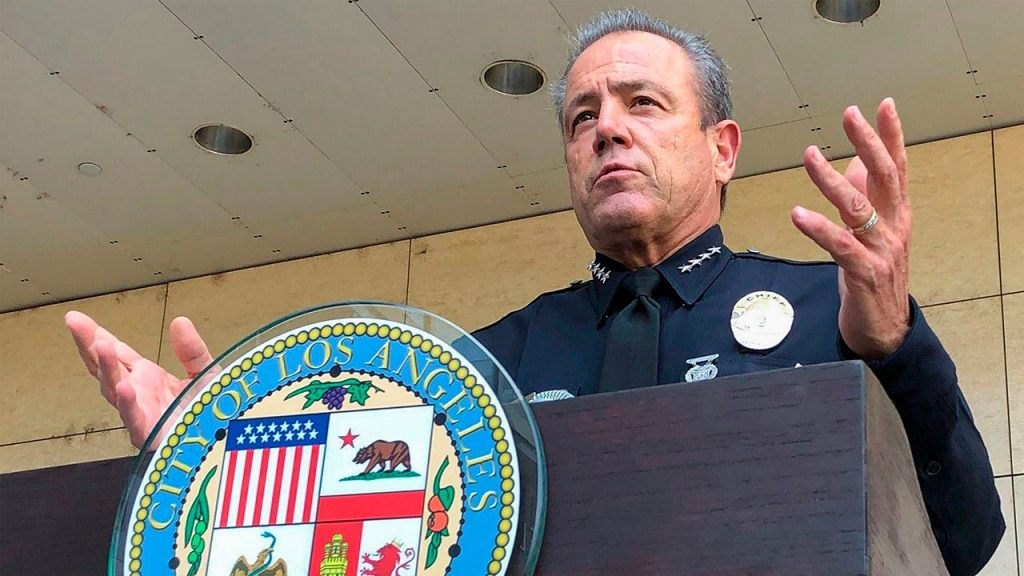 Los Angeles would lose nearly 1,000 police jobs under budget proposal