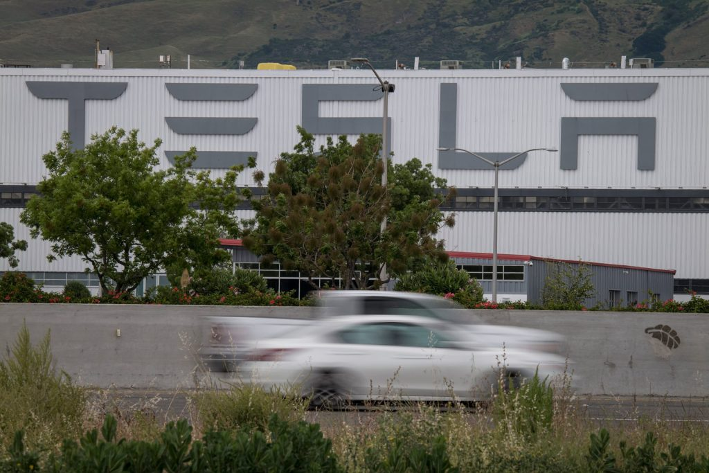 Tesla publishes its first diversity report, here are the key numbers