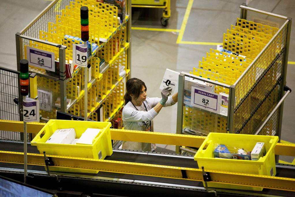 Amazon warehouse workers will hold union vote in Alabama on Feb. 8