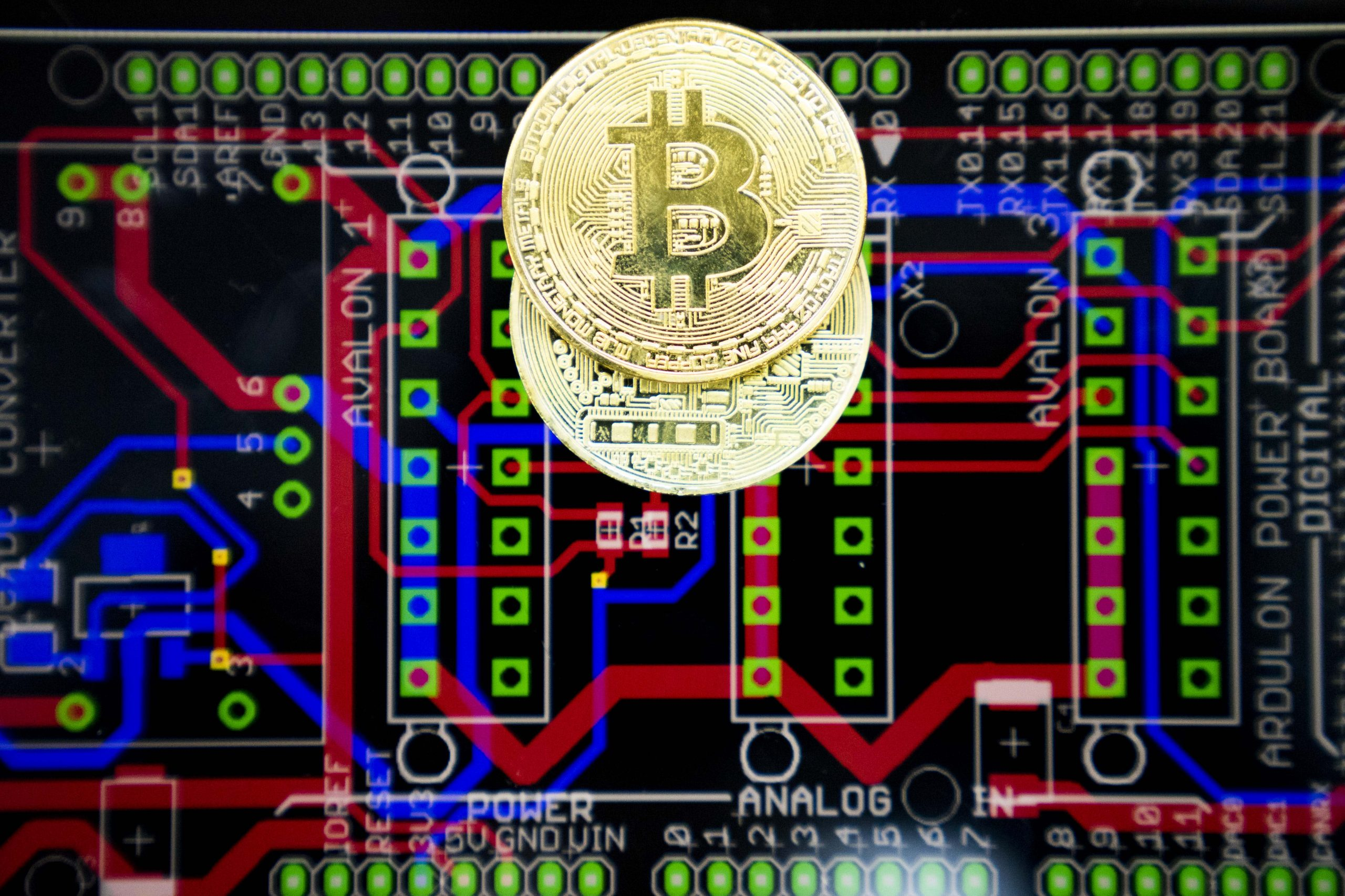 China bitcoin mining hub to shut down cryptocurrency projects