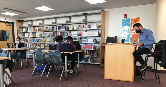 Why a Denver high school is offering a personal finance class