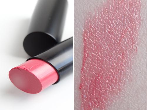 Mon nouveau gloss rouge à lèvres