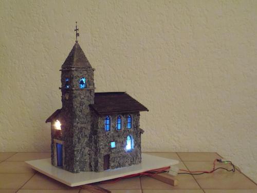 Vitrine en cours : La place de l'église