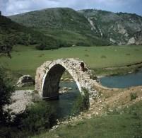 Мост на Увцу пре потапања, извор: zlatarinfo.rs