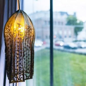 dezeen_Kelp-hats-and-lampshades-by-Julia-Lohmann_sq_5