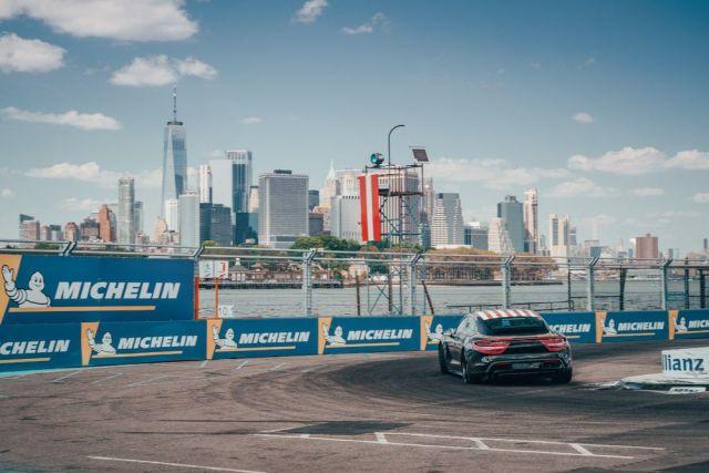 porsche-taycan-2019-formule-e-new-york- (1)