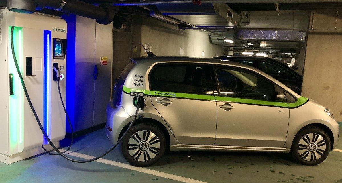 GreenGo-volkswagen-e-up-dobijeci-stanice-Siemens-CPC-50-kW-2