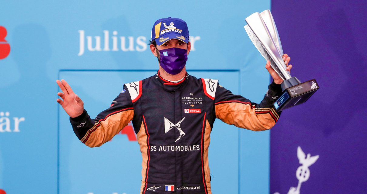 BERLIN TEMPELHOF AIRPORT, GERMANY - AUGUST 08: Jean-Eric Vergne (FRA), DS Techeetah, 3rd position during the Berlin ePrix III at Berlin Tempelhof Airport on Saturday August 08, 2020 in Berlin, Germany. (Photo by Sam Bloxham / LAT Images)