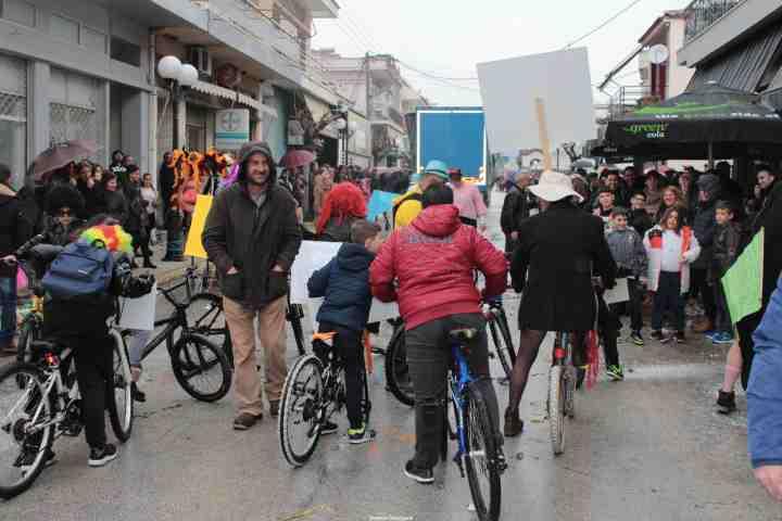 Πλούσιο ρεπορτάζ από το καρναβάλι του Χιλιομοδίου (photo)