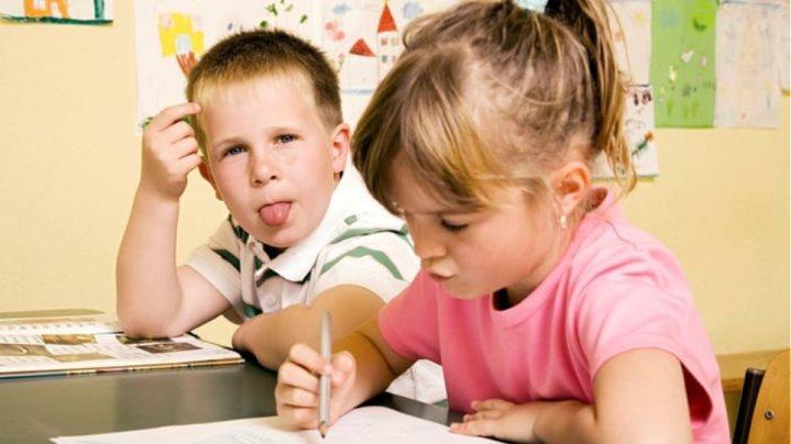 Τα άτακτα παιδιά είναι πιο πιθανόν να αποκτήσουν μία πιο αριστερή ιδεολογία.