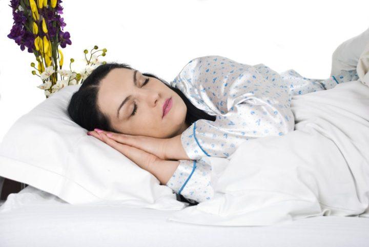 Ύπνος το μεσημέρι; Ποια είναι τα υπέρ, ποια τα κατά