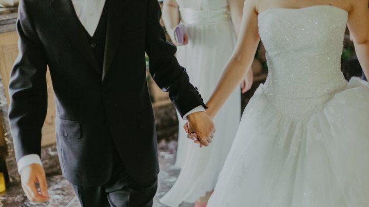 Κρήτη: Γάμος υπερπαραγωγή με… 69 κουμπάρους και 3.500 καλεσμένους
