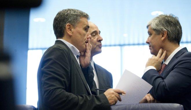 Βιώσιμο το ελληνικό χρέος με υπογραφή – όλων – των θεσμών
