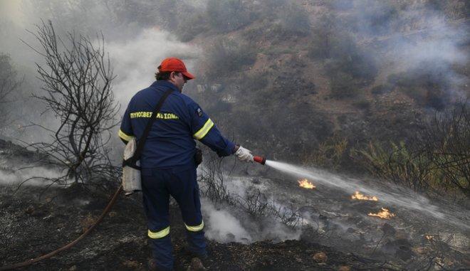 Εύβοια: Με απόλυτη τάξη η εκκένωση – Ξεκίνησε η καταγραφή των ζημιών