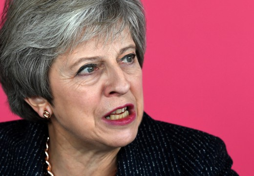 Μέι: Η συμφωνία για το Brexit είναι κοντά- Δεύτερο δημοψήφισμα ζητά ο Τόνι Μπλερ