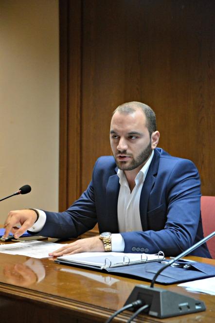 Παρέμβαση Τ. Πιέτρη στο Δημοτικό Συμβούλιο για τις εργασίες στην πλατεία Π. Τσαλδάρη (Περιβολάκια)