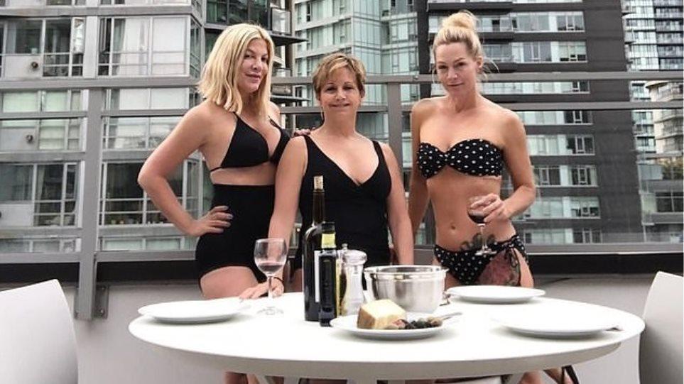 «Beverly Hills 90210»: «Ντόνα», «Άντρεα» και «Κέλι» ποζάρουν με τα μαγιό τους, 29 χρόνια μετά!