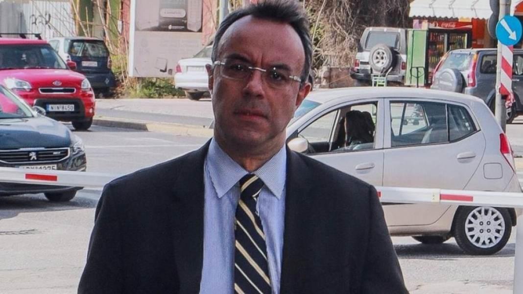 Πρώτος υπουργός που επιασε δουλεία ο Χρήστος Σταικούρας, δεύτερος ο Αδωνις…