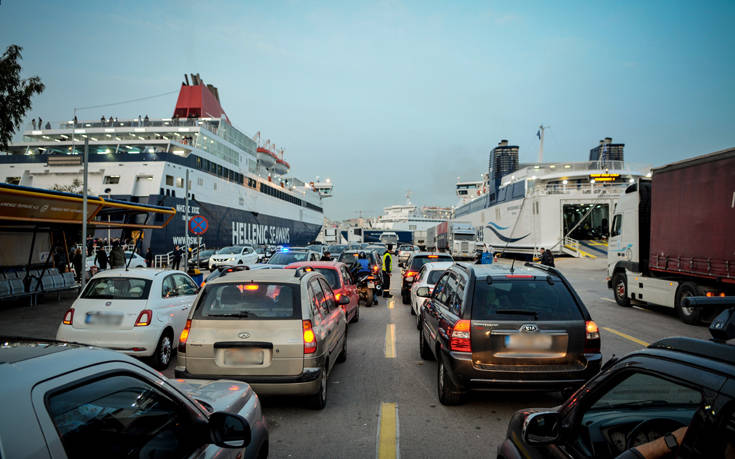 Οδηγίες Πλακιωτάκη για αυξημένα μέτρα στα λιμάνια τον Δεκαπενταύγουστο