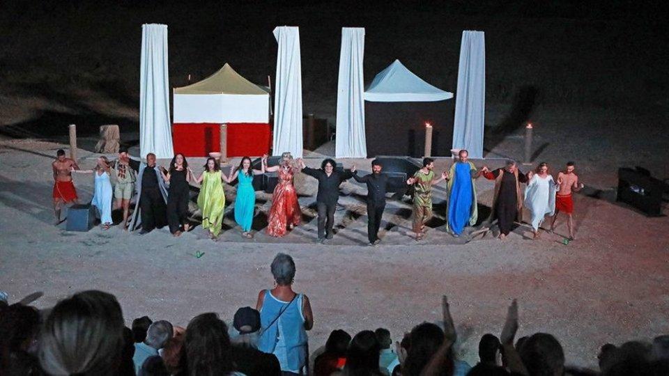 """Θεατρική μαγεία και μουσική πανδαισία με την όπερα """"Τραχίνιες"""" στο Αρχαίο Στάδιο Σικυώνας"""