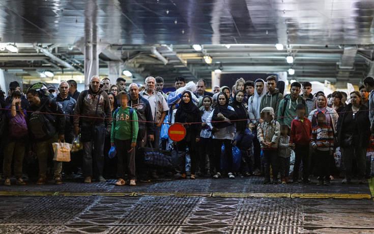 Μεταναστευτικό: Στην Ελευσίνα 389 μετανάστες από Σύμη