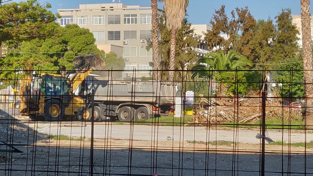 Τα έργα στην πλατεία Περιβολάκια συνεχίζονται με πιο εντατικούς ρυθμούς