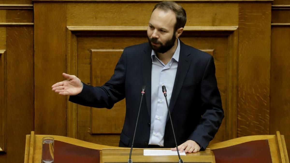 Ο Γ. Ψυχογιός φέρνει στη Βουλή το αίτημα για συνέχιση λειτουργίας της Τράπεζας Πειραιώς στον Φενεό