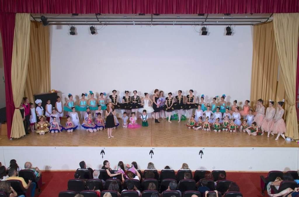 8 μαθήτριες μπαλέτο της σχολής Arabesque στην Κόρινθο θα συμμετάσχουν σε κορυφαίες παραστάσεις στην Αθηνα