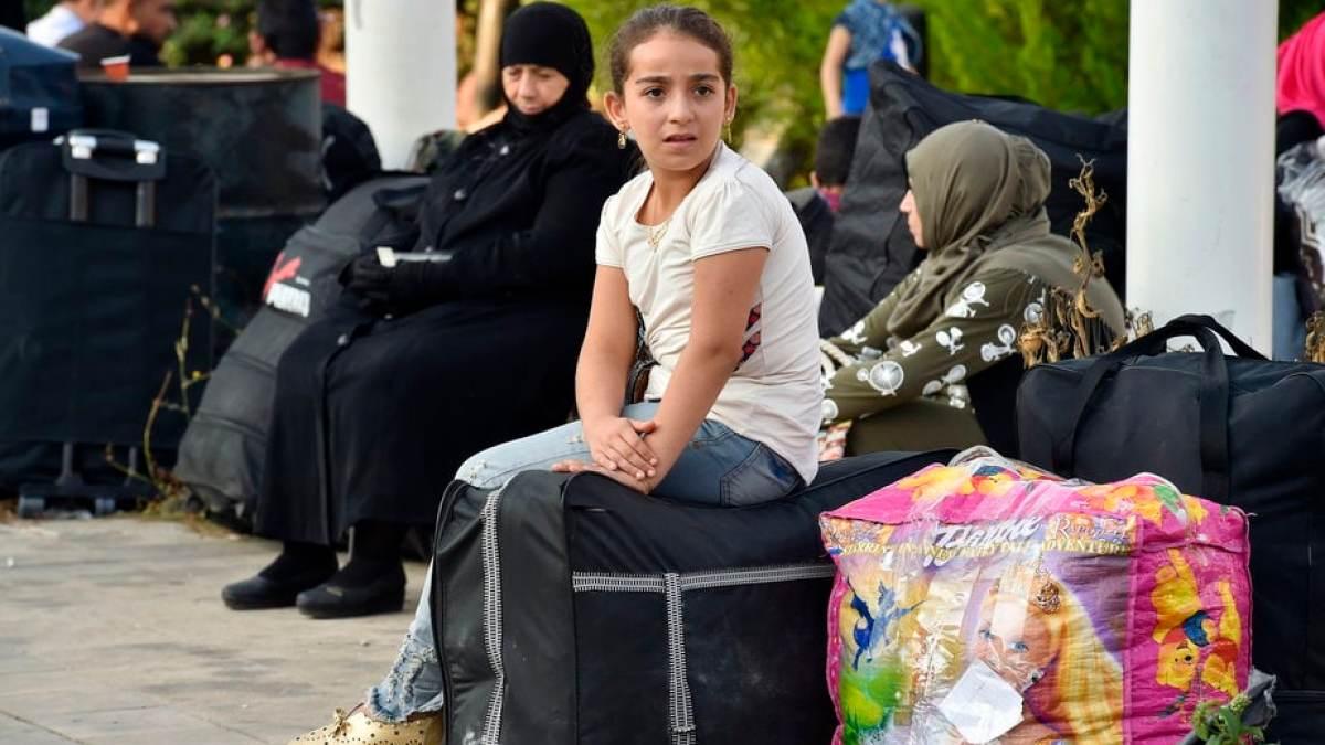 Τουλάχιστον 20.000 μετακινήσεις προσφύγων στην ενδοχώρα μέχρι τα τέλη Νοέμβρη – Τι είπε ο Χρυσοχοΐδης