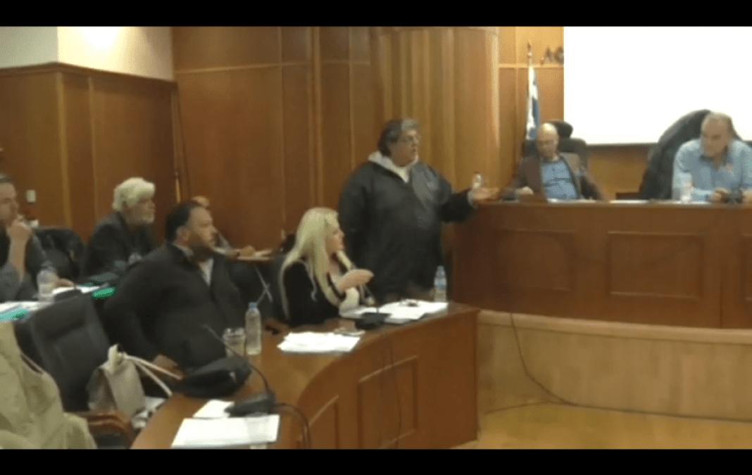 Παραλίγο να πέσει ξύλο στο δημοτικό συμβούλιο Λουτρακίου