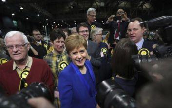Εκλογές στη Βρετανία: Νέο δημοψήφισμα για την ανεξαρτησία της Σκωτίας θέλει η πρωθυπουργός της