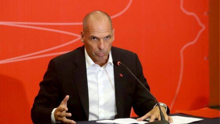 Ο Βαρουφάκης τα βάζει με Ρέγκλινγκ – «Θέλει να βάλει σε μνημόνιο τη μισή Ευρώπη