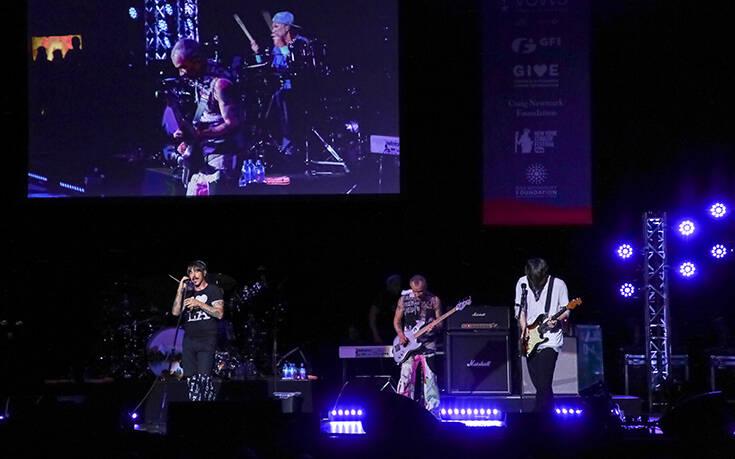 Οι Red Hot Chili Peppers κάνουν ποδαρικό στις συναυλίες στην Ελλάδα μετά τον κορονοϊό