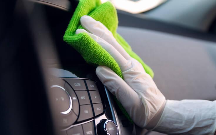 Πώς να καθαρίσεις σωστά το ταμπλό του αυτοκινήτου