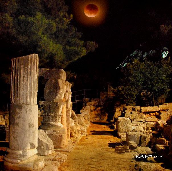 Εσύ κοιτάς την όμορφη σελήνη και ρεμβάζεις…..(Σημειωτέον ότι τότε ήταν η εποχή του ψυχρού πολέμου).