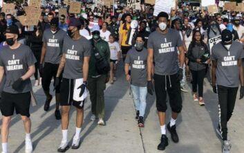 Στους δρόμους και τα αδέρφια Αντετοκούνμπο: «Δεν θέλουμε μίσος, αλλά δικαιοσύνη»