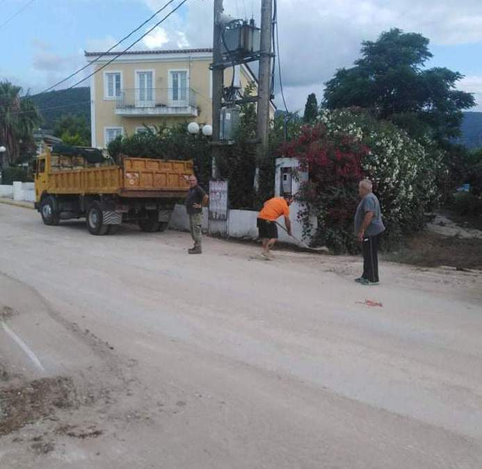 Με γρήγορους ρυθμούς προχωρούν οι εργασίες αποκατάστασης στα Αθίκια