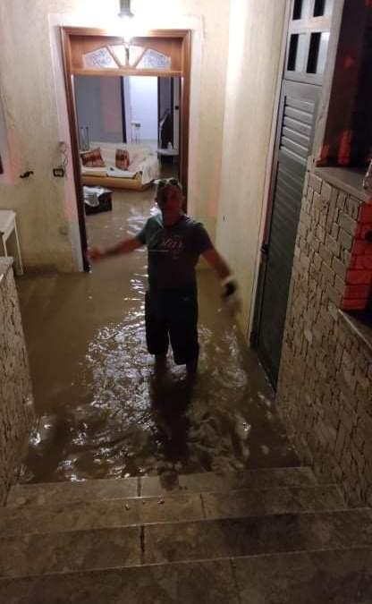 Ολονύκτια μάχη με τα νερά η πυροσβεστική στα Αθικια