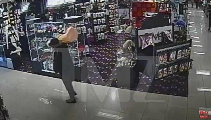 Άνδρας φορώντας μάσκα κατά του κορονοϊού μπήκε σε sex shop, έκλεψε 18 κιλών δονητή και έφυγε ανενόχλητος