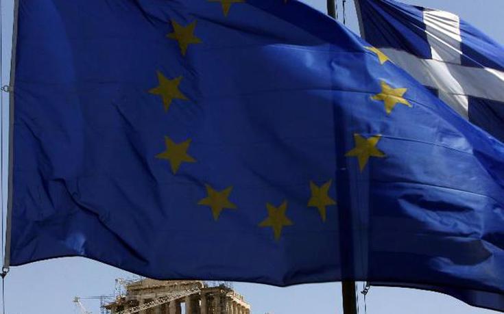 Για έξι μήνες επεκτείνει η Κομισιόν την παρακολούθηση των μεταρρυθμίσεων στην Ελλάδα
