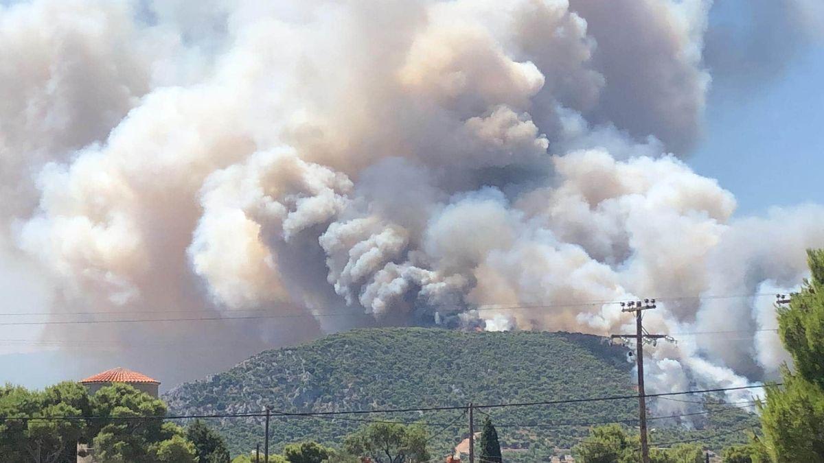 Τώρα μεγάλη φωτιά πάνω από το στρατόπεδο των Κεγχρεών