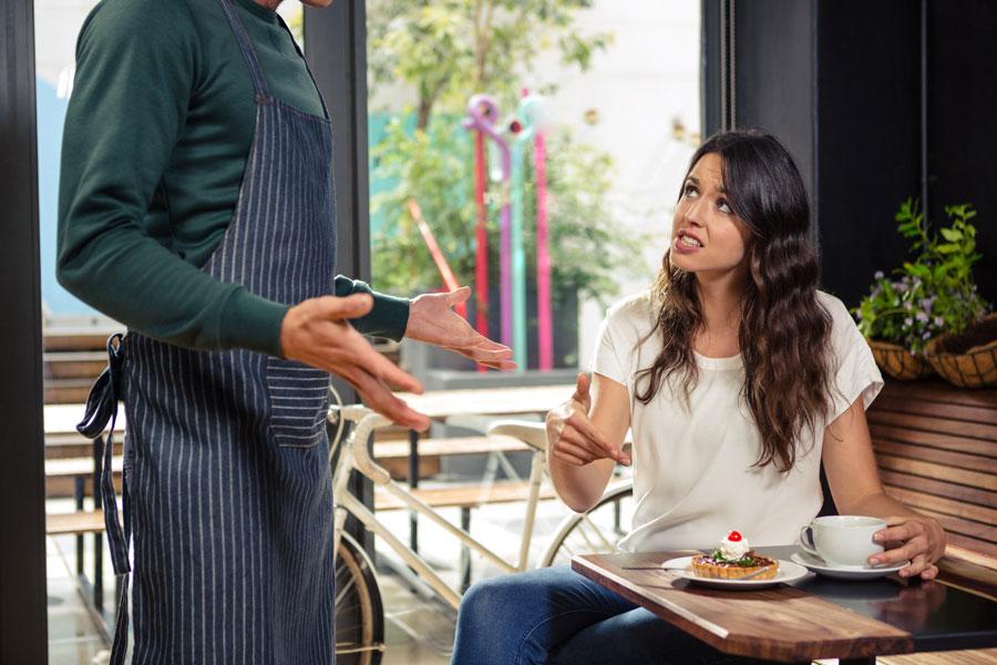 7 σημάδια για ν' αναγνωρίσετε ένα κακό εστιατόριο