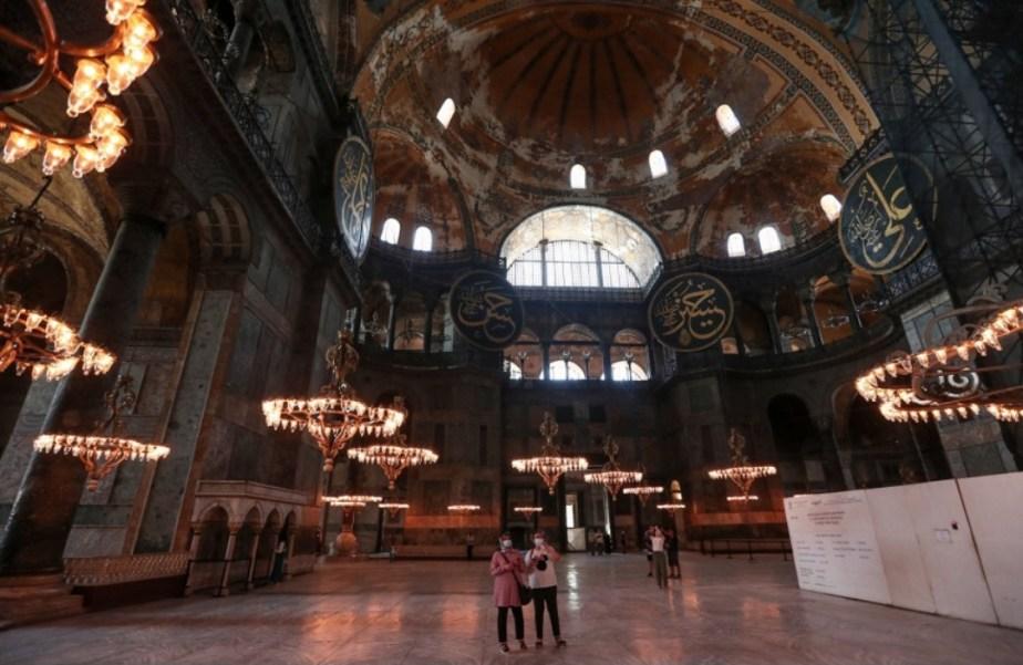 «Ελληνικά αντίποινα για την Αγία Σοφία»: Εκδικητικοί βανδαλισμοί & «πάγωμα» της αποκατάστασης σε τζαμιά