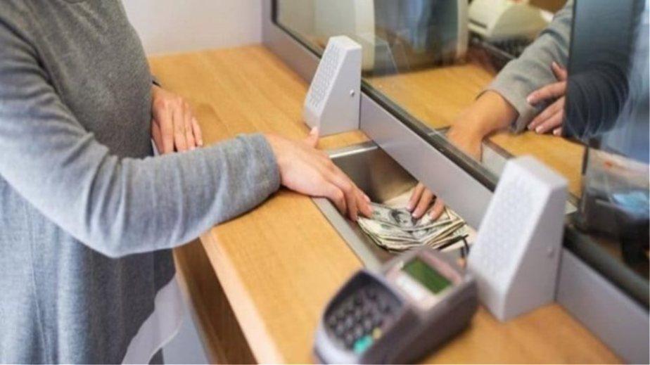 Τράπεζες: Ποιες συναλλαγές «καταργούνται» στα γκισέ λόγω της πανδημίας