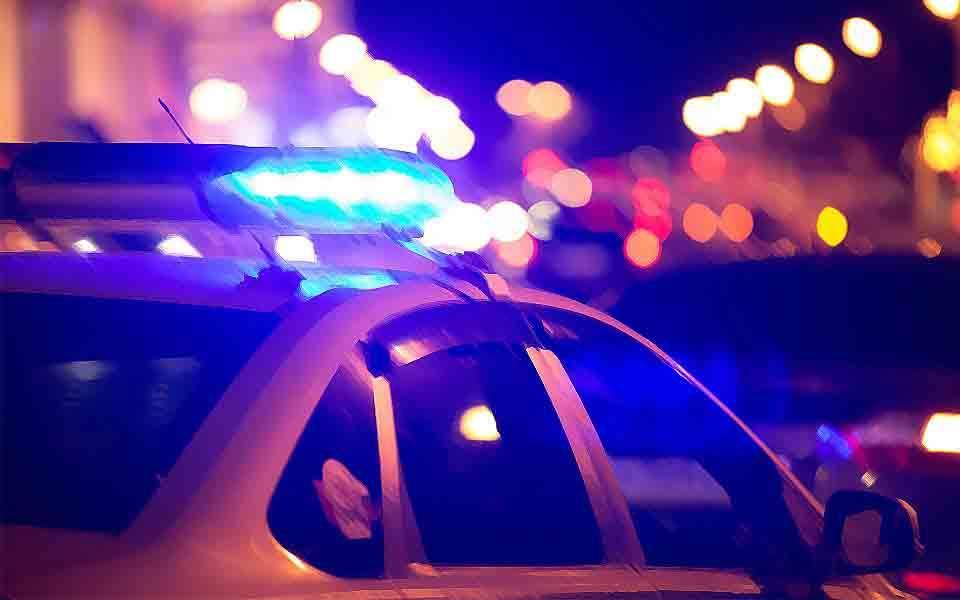 Ρομά Πυροβόλησαν Και Τραυμάτισαν Αστυνομικό Διευθυντή Και Ακόμα Έναν Άνδρα Των ΜΑΤ
