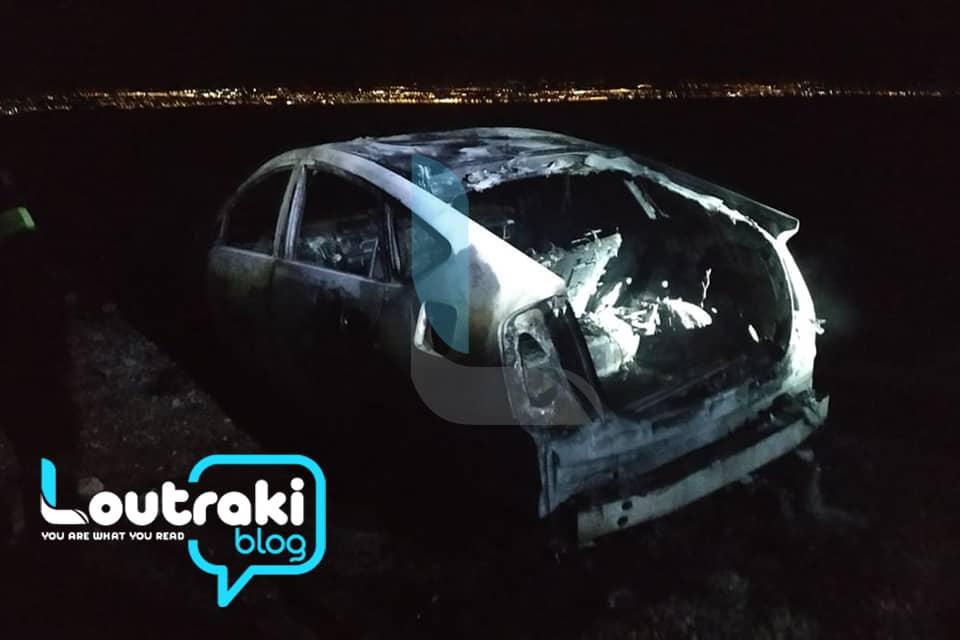 Θρίλερ με το καμένο αυτοκίνητο στο Λουτράκι. Γεμάτο αίματα το σπίτι της ιδιοκτήτριας