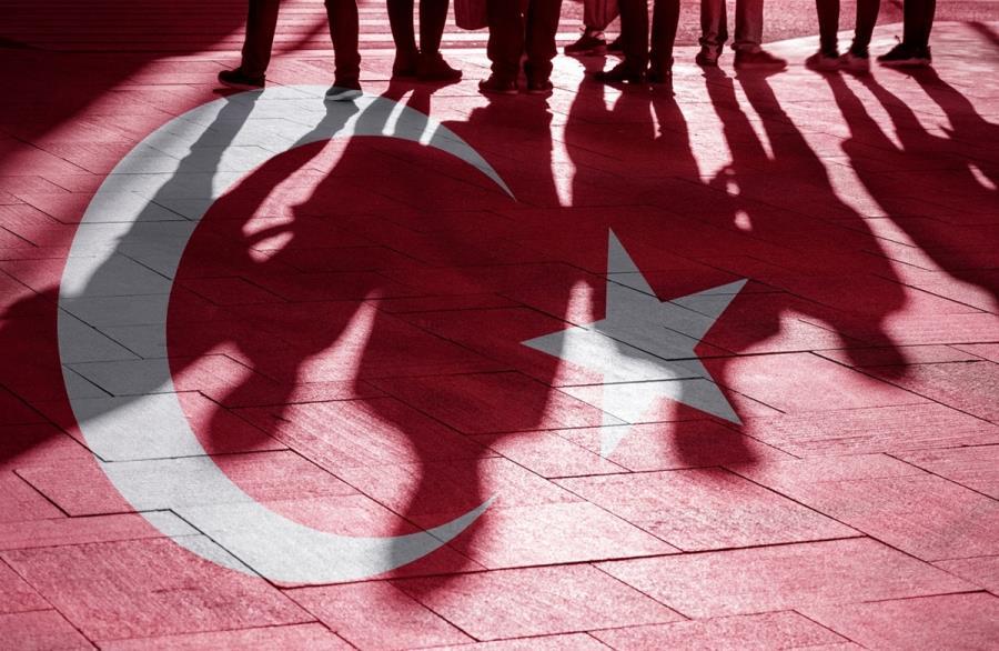 Θάνος Βερέμης: «Ο Ερντογάν φοβάται την οικονομία και το εδώλιο»