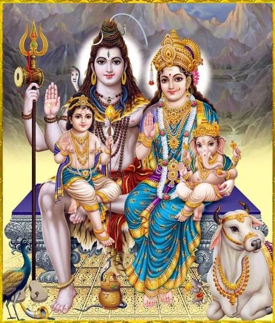 Keluarga Deva Shiva di Gunung Kailash. Hampir setiap rumah penganut Hindu akan ada potret ini. Kredit gambar: s-media-cache-ak0.pinimg.com
