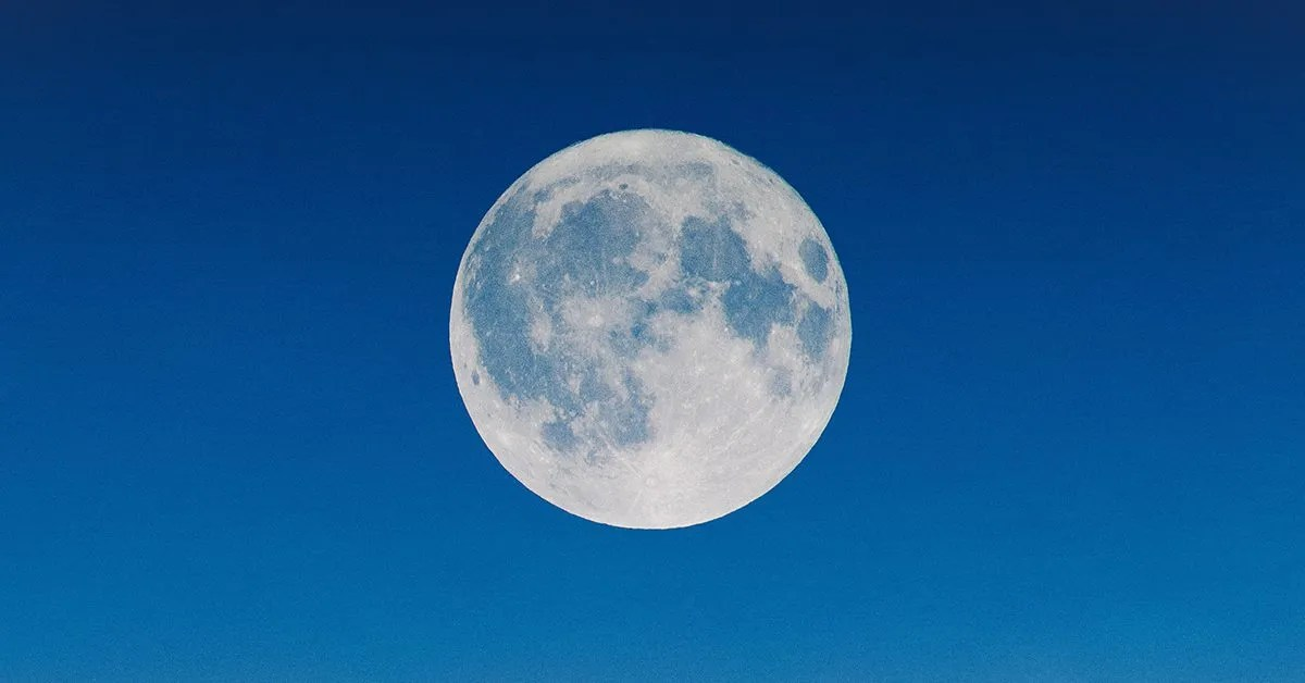 POETRY | Moon by Charles Chiam